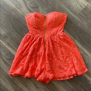 Material Girl Coral Lace Zipper Strapless Romper
